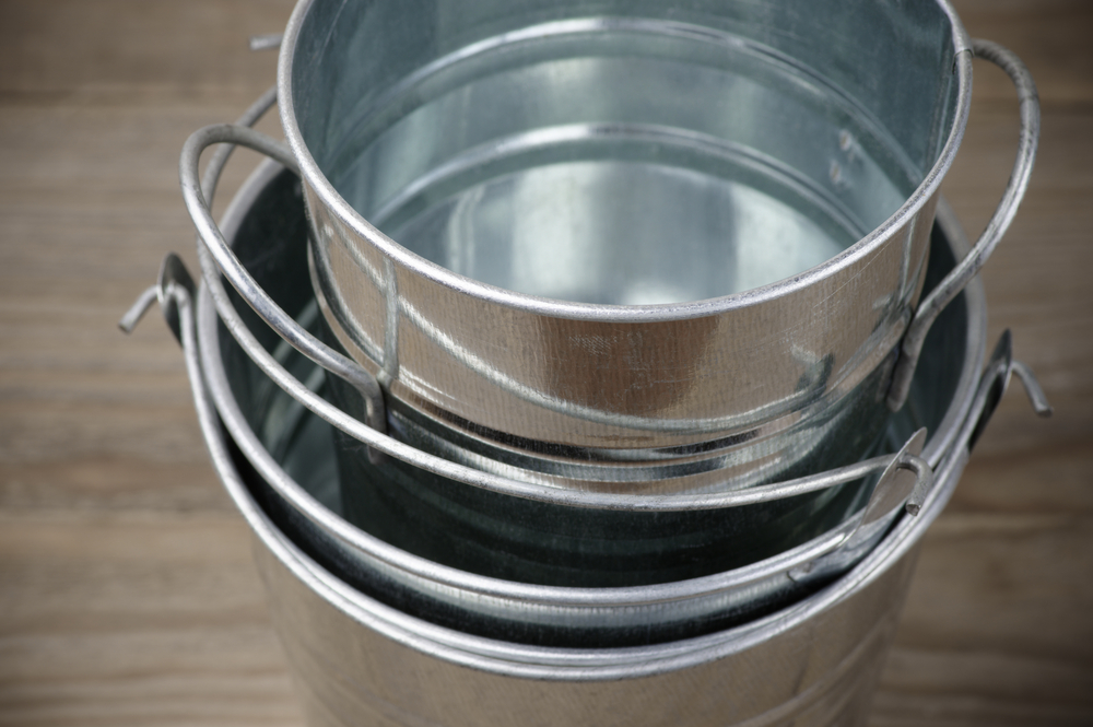 Creative Ways To Use Galvanized Pails In Your Décor