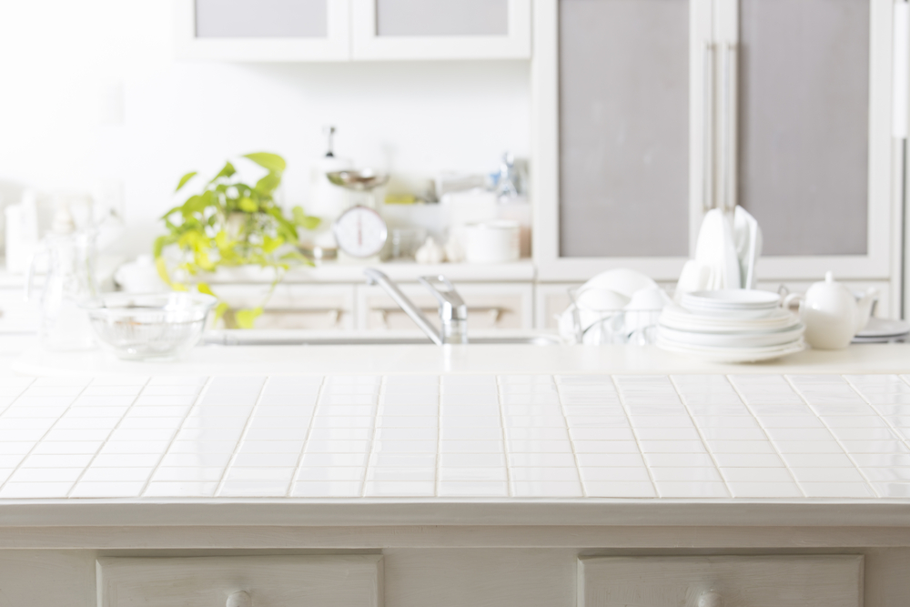 white-kitchen-counter-tile