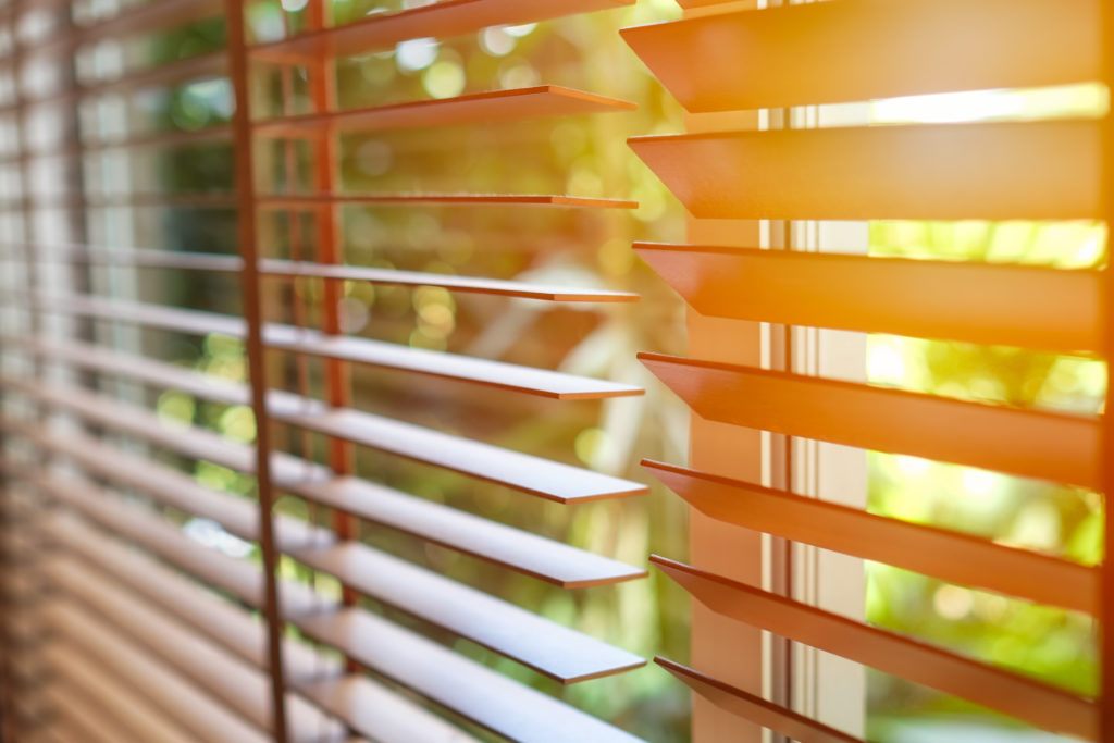 horizontal-wood-blinds
