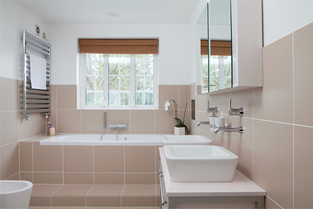 Keeping It Private: 5 Tips For Upgrading Your Bathroom Window Treatments
