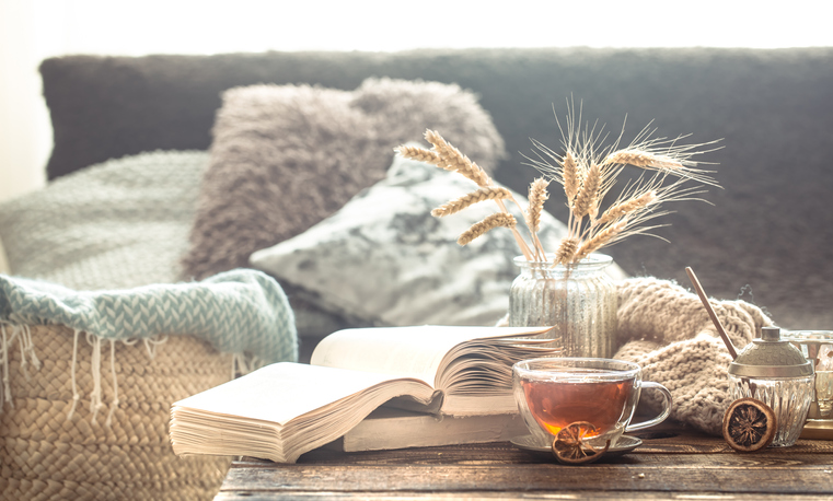 hygge-living-room-tea-and-books